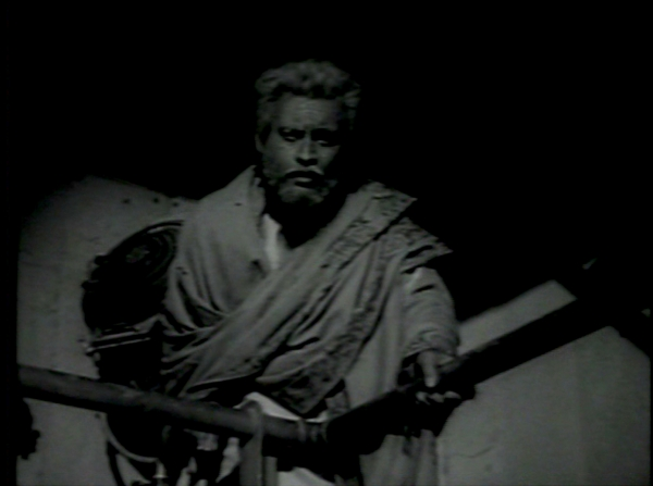 old man Guru Dutt Kaagaz Ke Phool 7