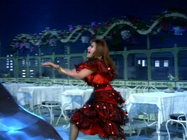 Bollywood Helen8