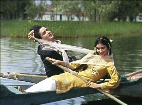 Sharmila Tagore and Shammi Kapoor Kashmir Ki Kali Dal Lake