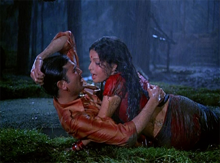 Rajesh Khanna and Rakhee Rain Song Bollywood