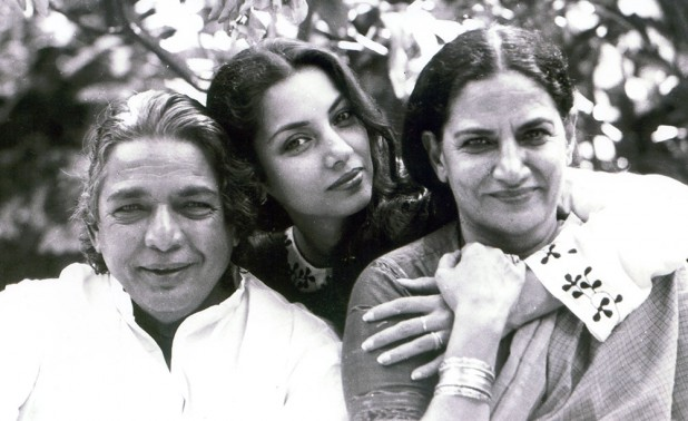 Veteran Urdu poet Kaifi Azmi (left) with his daughter actress Shabhana Azmi (center), who married contemporary lyricist Javed Akhtar, and wife Shaukat Azmi (right).
