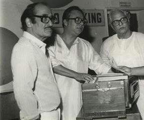 Immortal lyricist Majrooh Sultanpuri (right) with music director R.D. Burman and film director Nasir Hussain at a 1983 recording session.