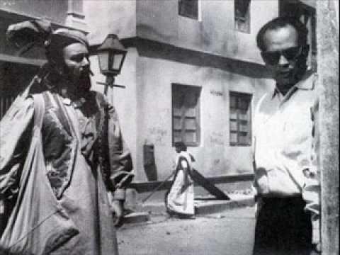 Balraj Sahni on-screen with producer Bimal Roy in Kabuliwala (1961)