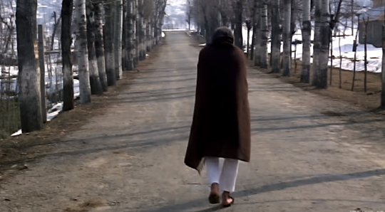 Rajesh Khanna walks away from the camera