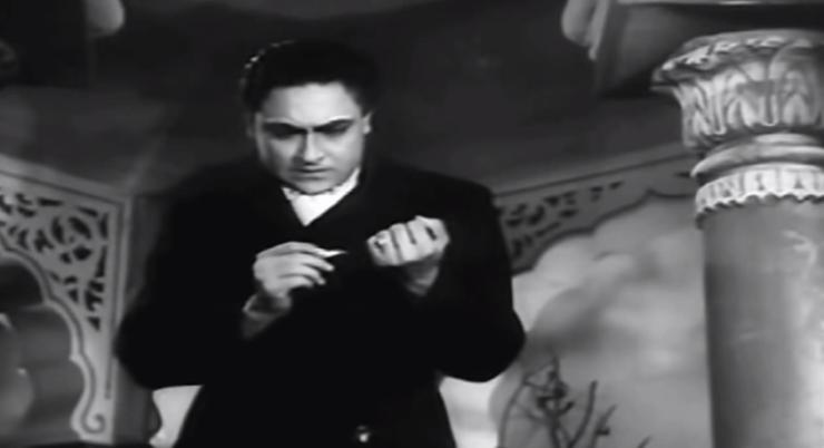 Ashok Kumar cigarette Mahal (1949)