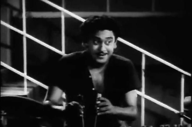 Kishore Kumar Ek Ladki Bheegi Bhaagi Si