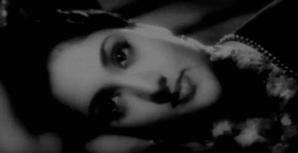Vijayantimala in Nagin (1954)