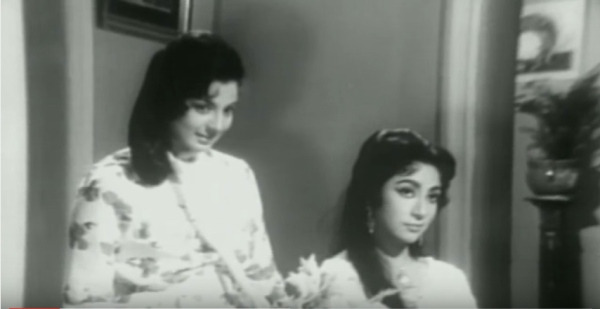 two shot sisters Mala Sinha and Tanuja