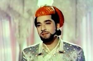 Pradeep Kumar beard taj mahal.jpg