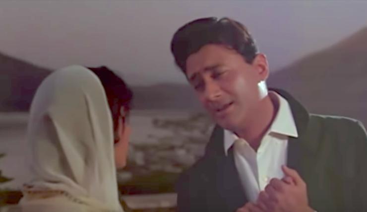 Dev Anand comforts Waheeda Rehman Guide Tere Mere Sapne