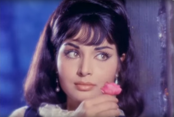 Beautiful Rakhee in Sharmilee (1971).png