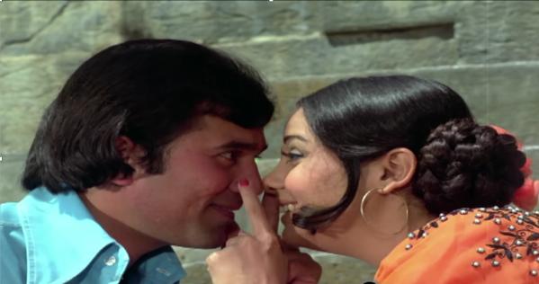 Rajesh Khanna and Mumtaz nose rub in Aap Ki Kasam