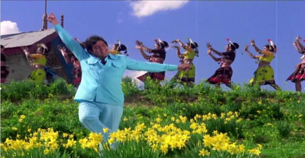 Rajesh Khanna posing at Natraj in jai jai shiv shankar.png
