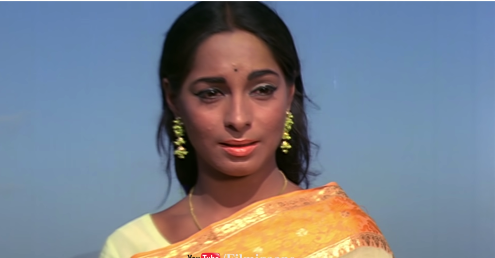 Archana plays the romantic lead in the film Buddha Mil Gaya (1971).